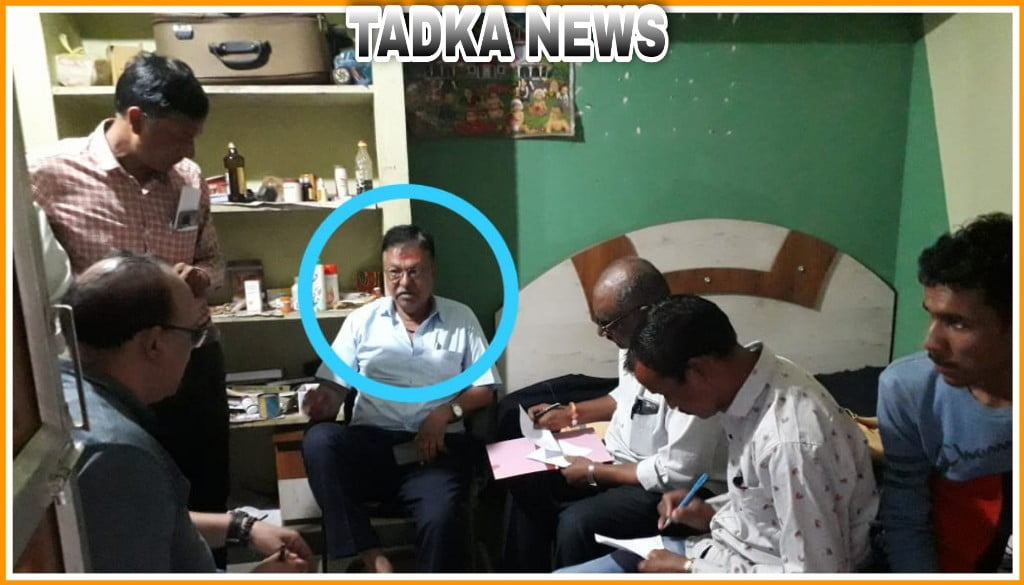 उज्जैन लोकायुक्त ने सीएमओ और पंचायत समन्वयक को पकड़ा